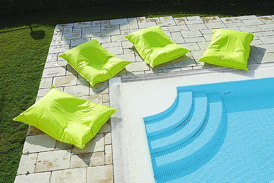 Colchonetas terraza y jardín